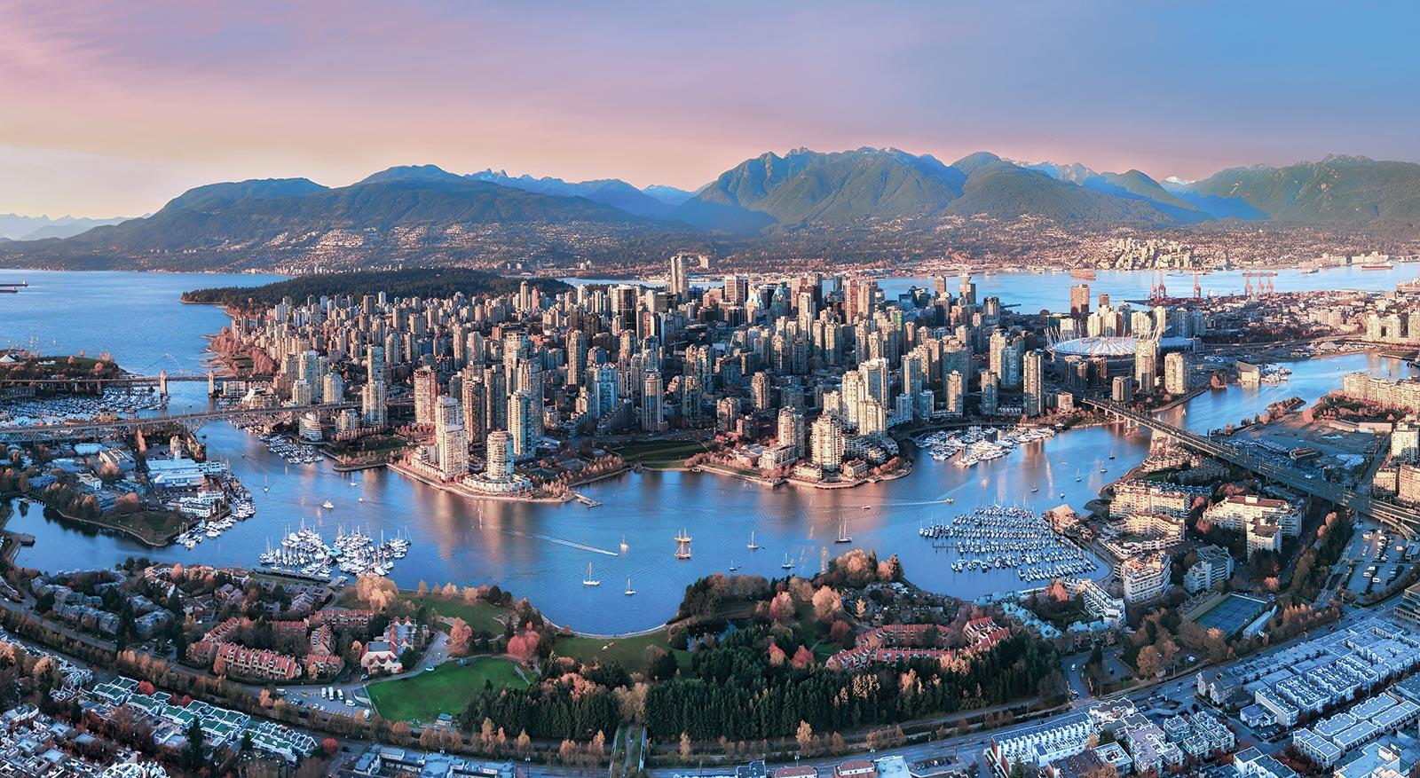 Walking Downtown Vancouver