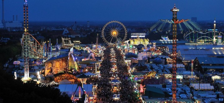 Oktoberfest panorama at night (photo from www.oktoberfest-munchen.com)